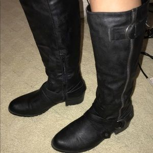 Shoes - women's black leather boots